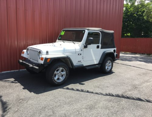 FOR SALE 2006 WHITE JEEP WRANGLER X 2DR ONLY 74K MILES FOR SALE IN R.I.